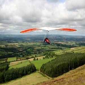Hang gliding at Mount Leinster